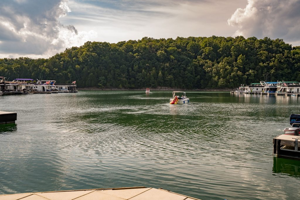 Tennesse Lakefront Sale - The Pointe at Dale Hollow